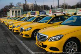 Taxis with yellow vehicle registration plates