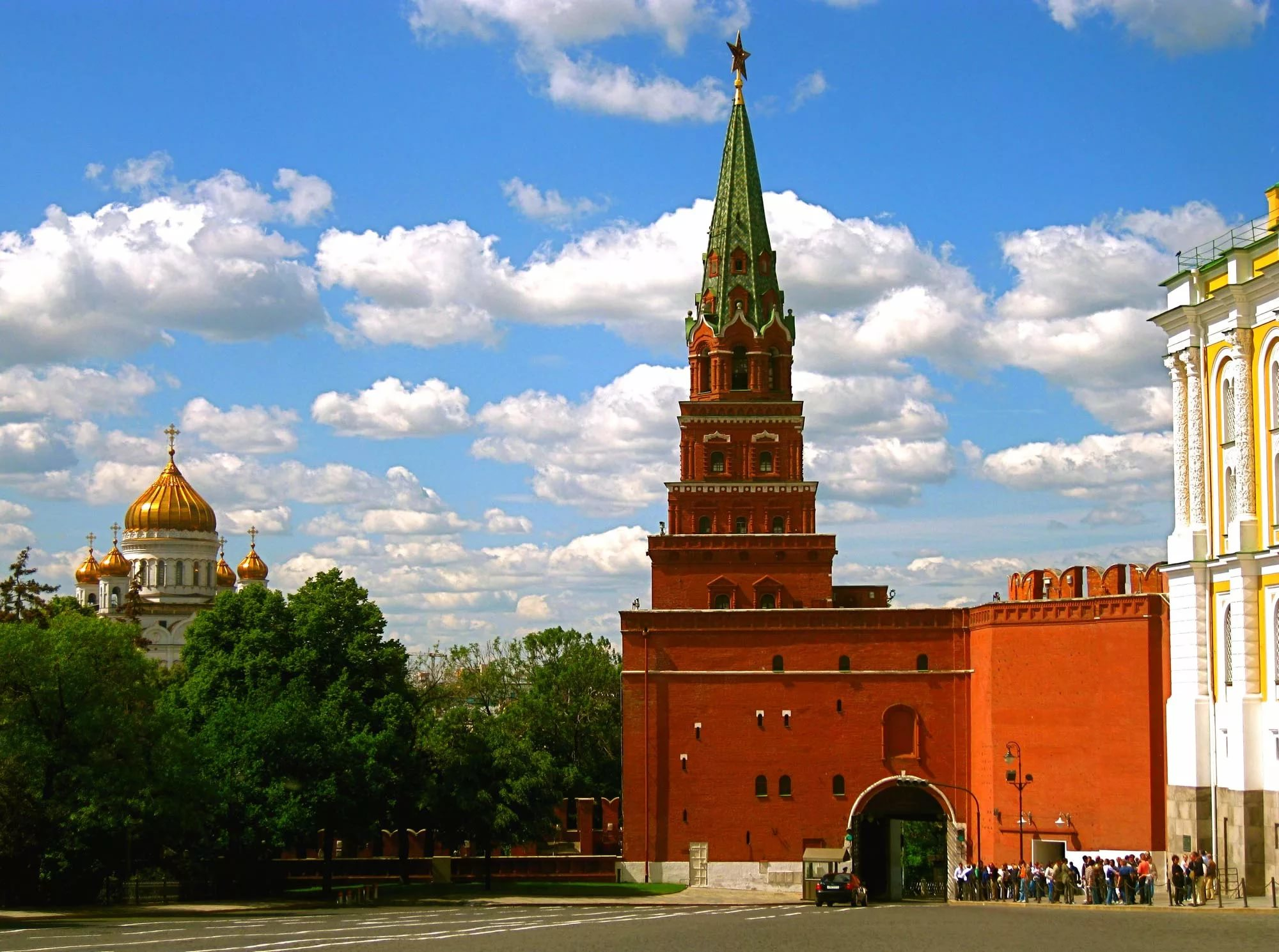 Kremlin towers: names and their height 100