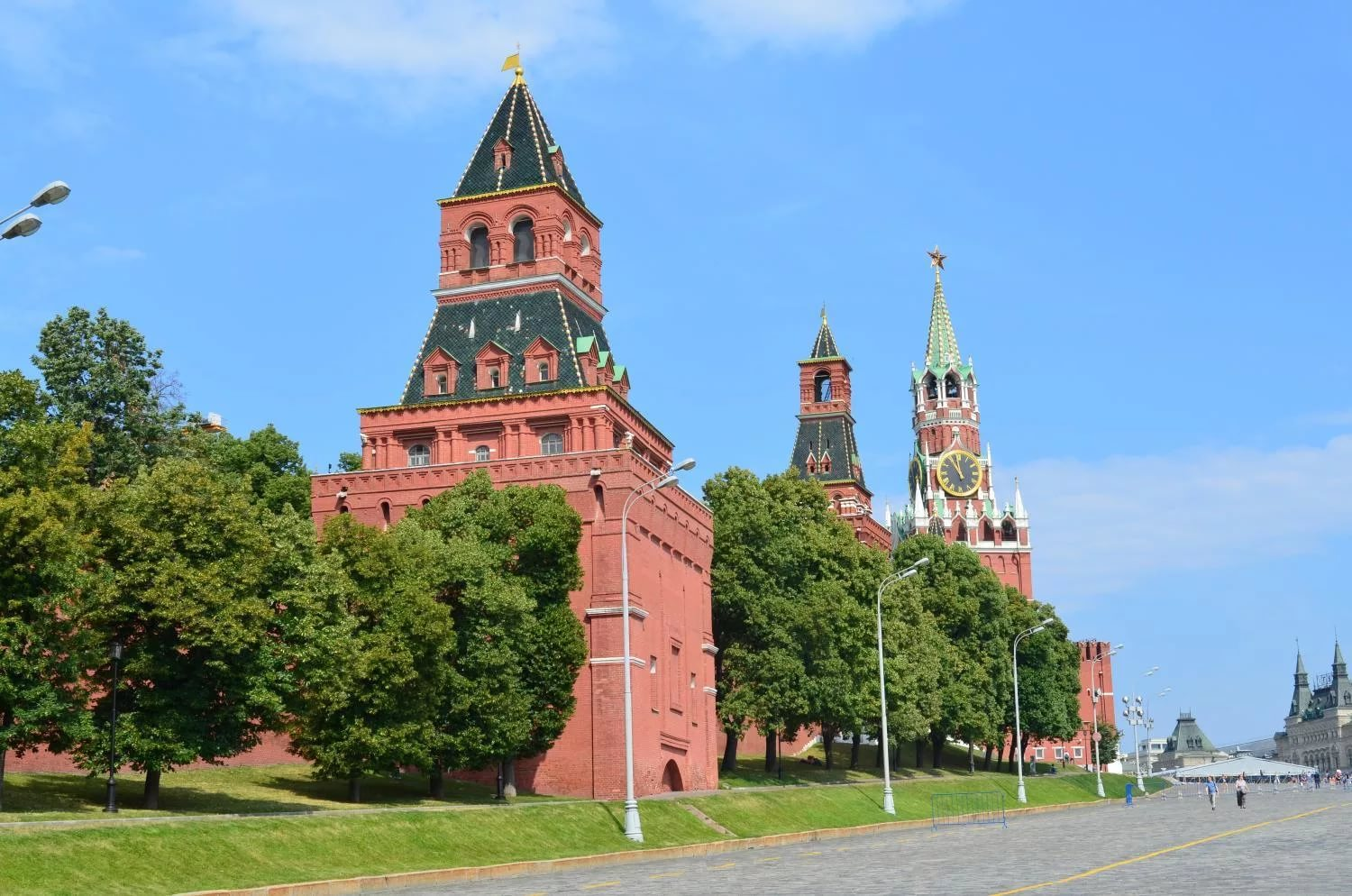 Kremlin towers: names and their height 29