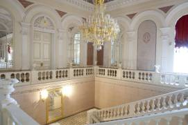 Bolshoi theatre. Staircase in White foyer