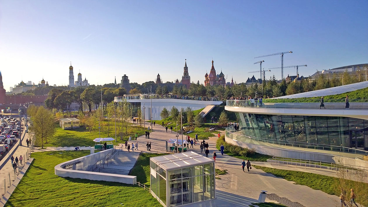 sightseeing walk in Moscow – Zaryadye Park
